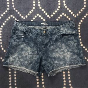 Old Navy Plus Size Bleach Print Jean Shorts
